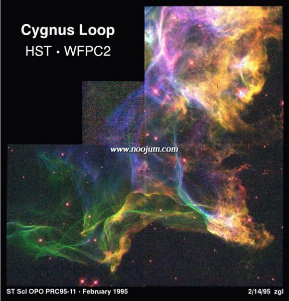 CygnusLoop_hst_big.jpg